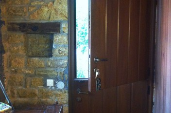 Ξυλουργικές Κατασκευές Πόρτας